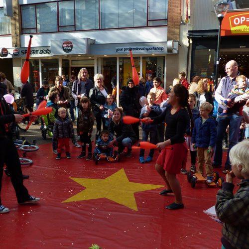 Chapeau verzorgt circusartiesten voor Winkeliersvereniging Zeist